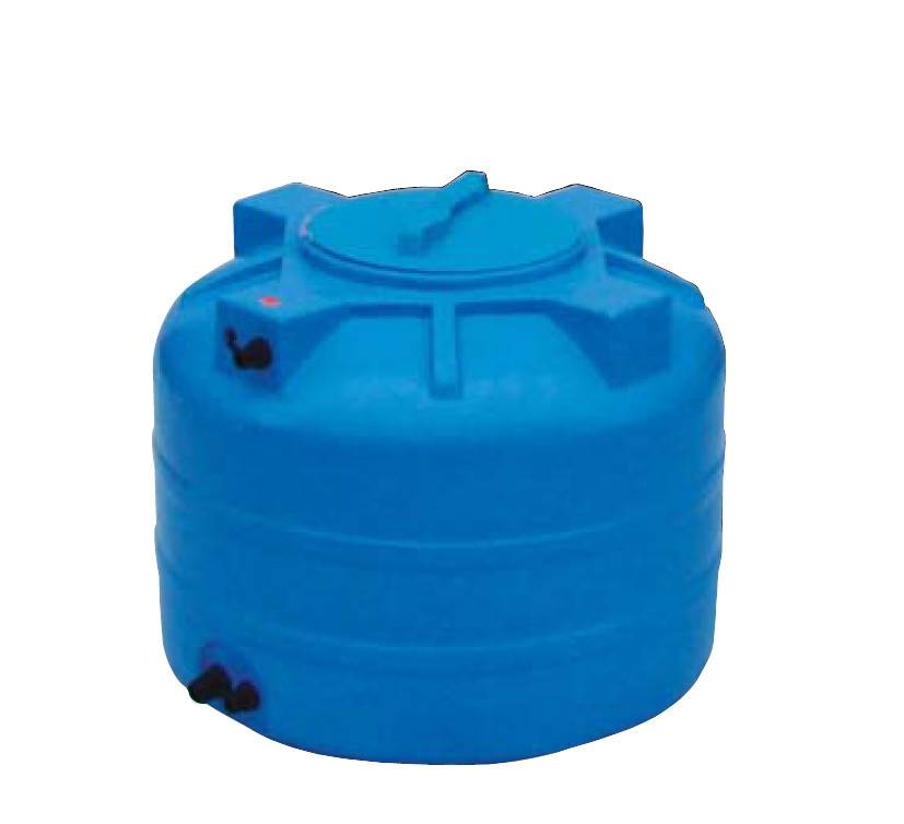 Емкость для полива на даче. пластиковые варианты