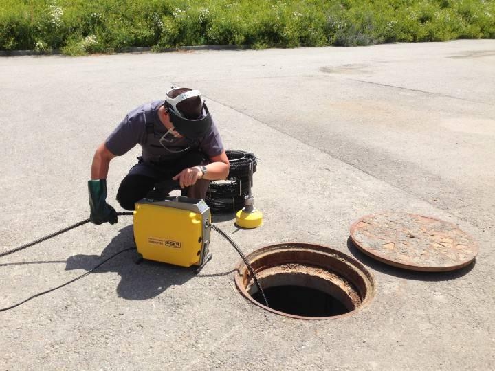 Прочистка канализации гидродинамическим способом: основные принципы и правила устранения засоров