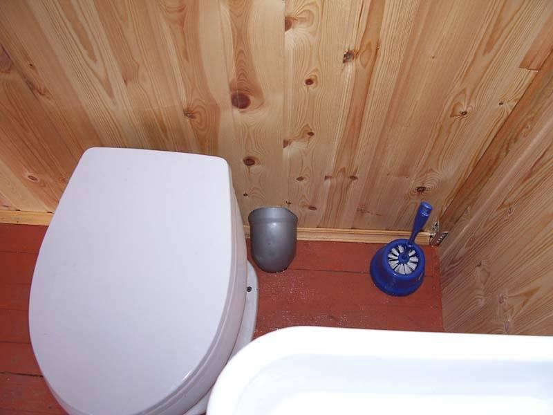 Вентиляция в туалете на даче своими руками