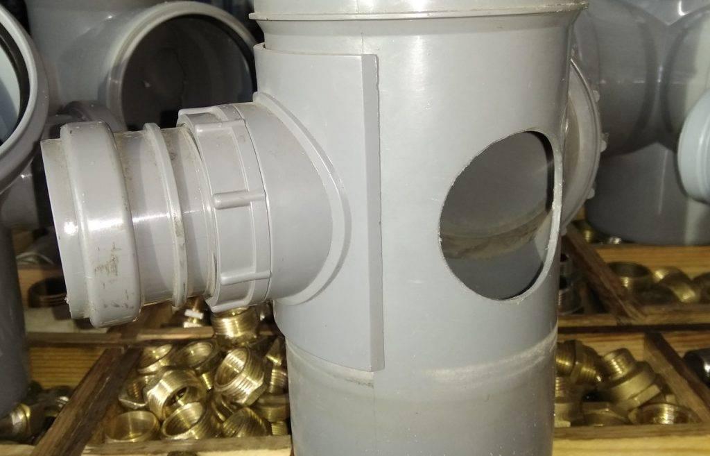 Порядок врезки в чугунную трубу наружной канализации. как врезаться в пластиковую канализационную трубу: три эффективных и надежных способа. способы врезки в пластиковый водопровод внутри квартиры