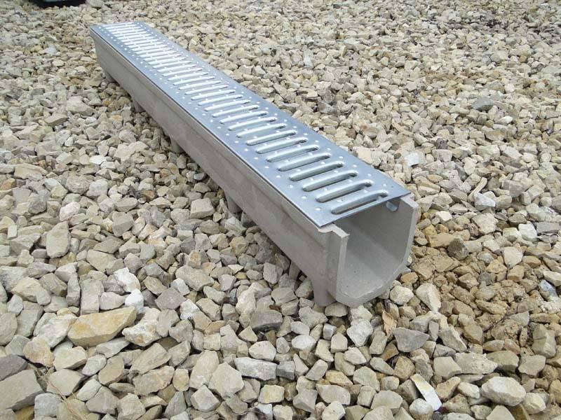 Лоток водоотводной бетонный с решеткой: железобетонный, дождевой, монтаж