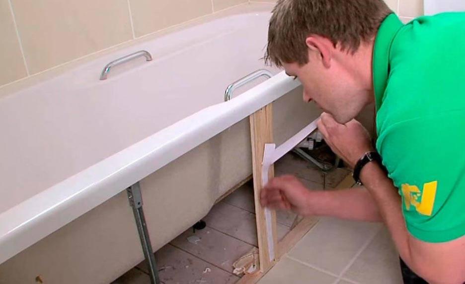 Как закрепить экран под ванну