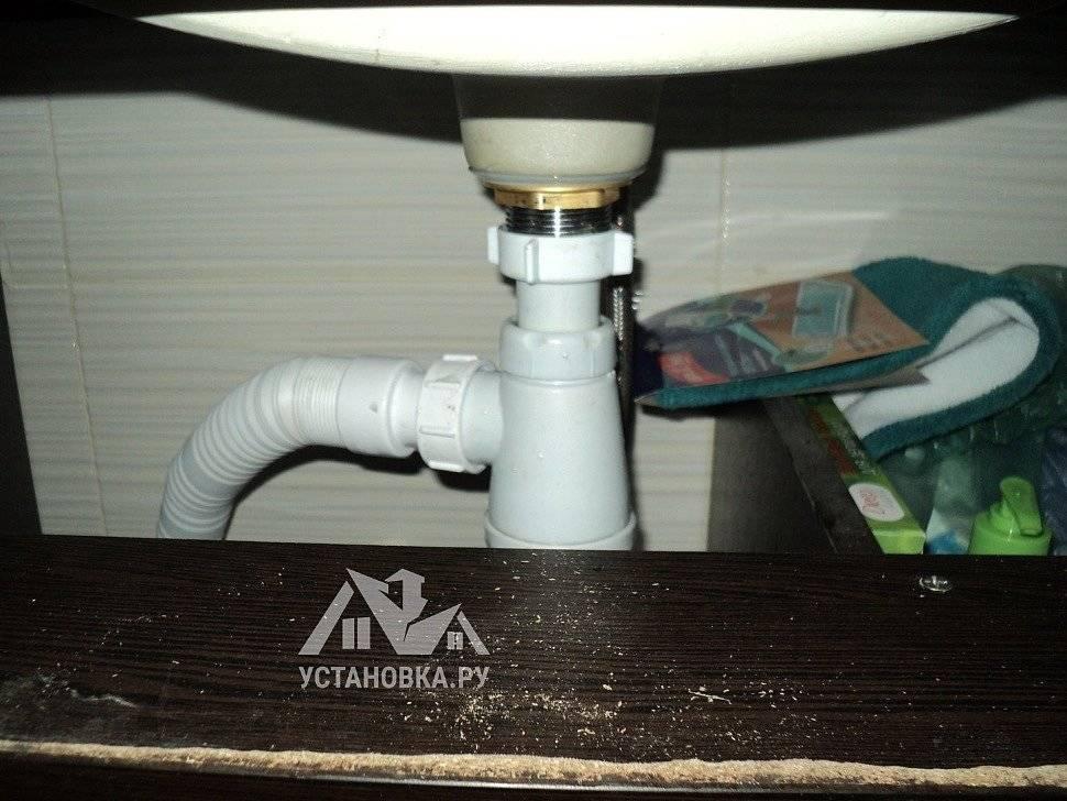 Что такое донный клапан в смесителе для раковины без перелива