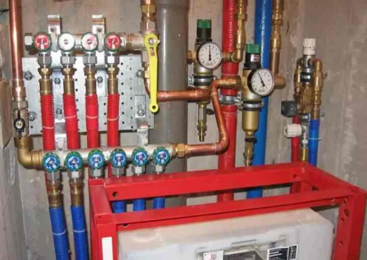 Коллектор для водоснабжения: водопроводные гребенки, монтаж коллекторной разводки для водопровода