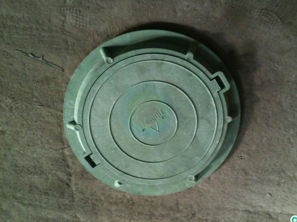 Канализационный люк: выбираем надежный щит для входа в подземелье