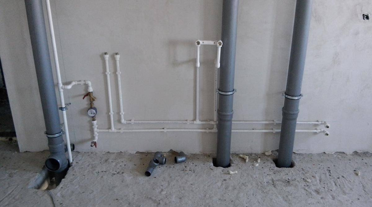 Какая замена труб водоснабжения в квартире лучше
