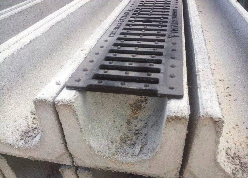 Бетонные лотки для ливневой канализации: выбор и установка