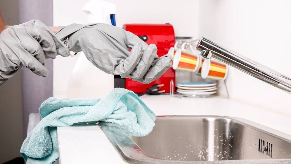 Как и чем прочистить засор в трубе ванной комнаты в домашних условиях (видео инструкция, фото)