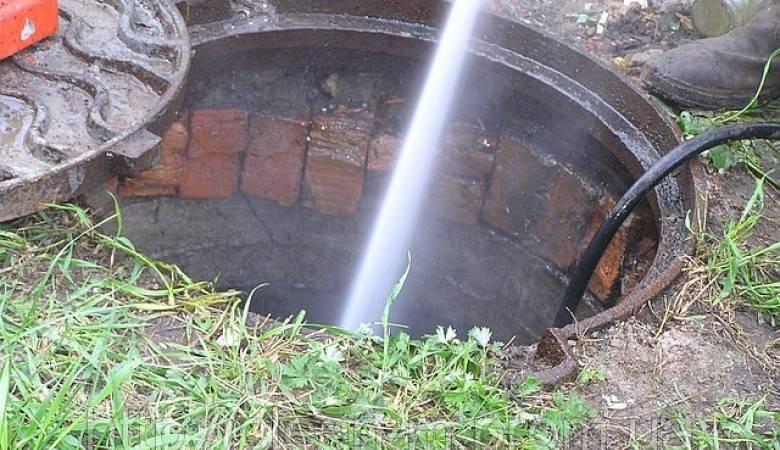 Как почистить выгребную яму в частном доме
