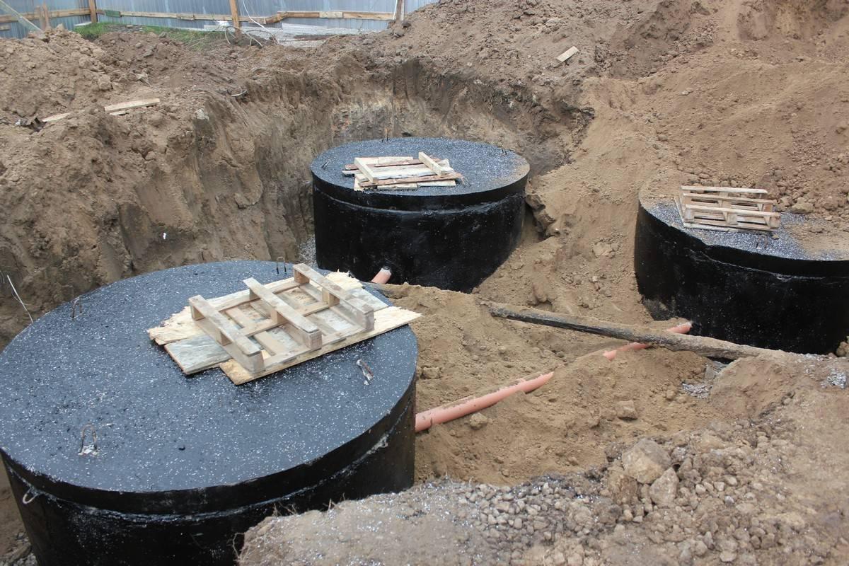 Гидроизоляция канализационного колодца из бетонных колец - строитель