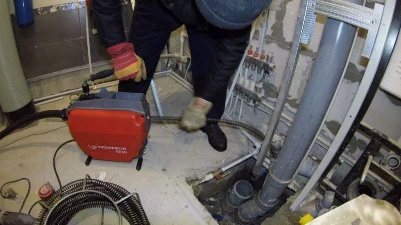 Прочистка канализации гидродинамическим способом в частном доме и как он работает и для чего он нужен: +Фото и Видео