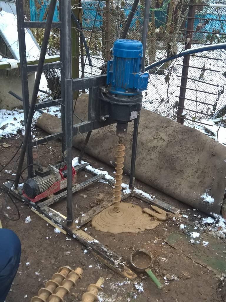 Абиссинская скважина: бурение и насос, фильтр и трубы