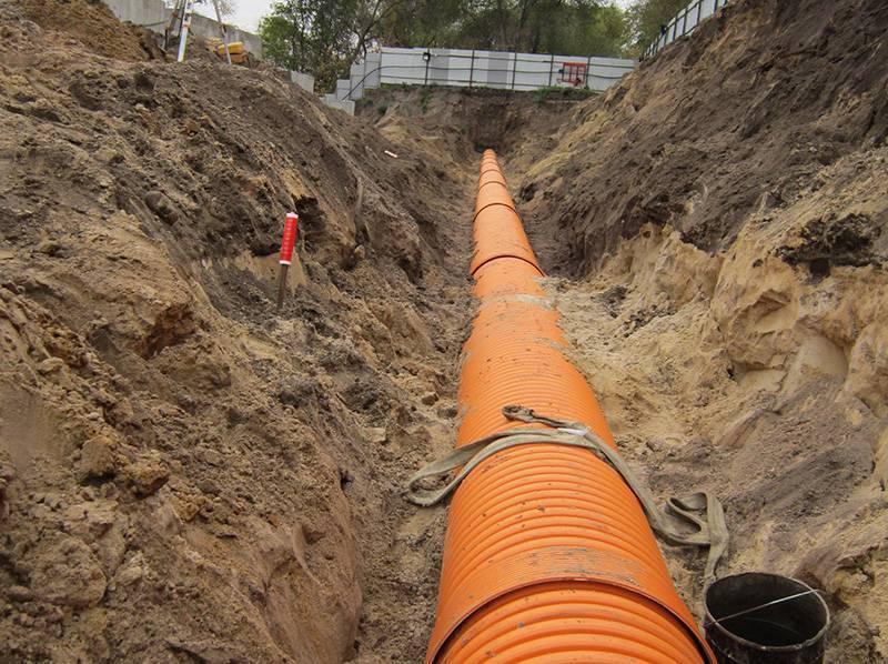 Прокладка канализационных труб: правила укладки, утепление