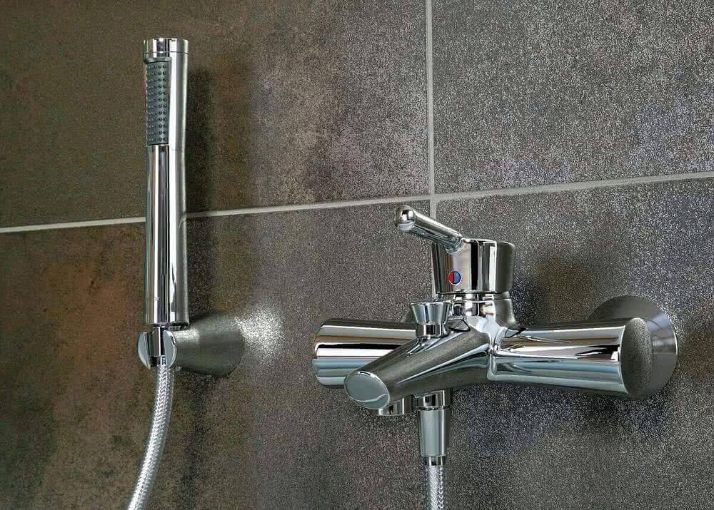 Какой смеситель выбрать в ванную