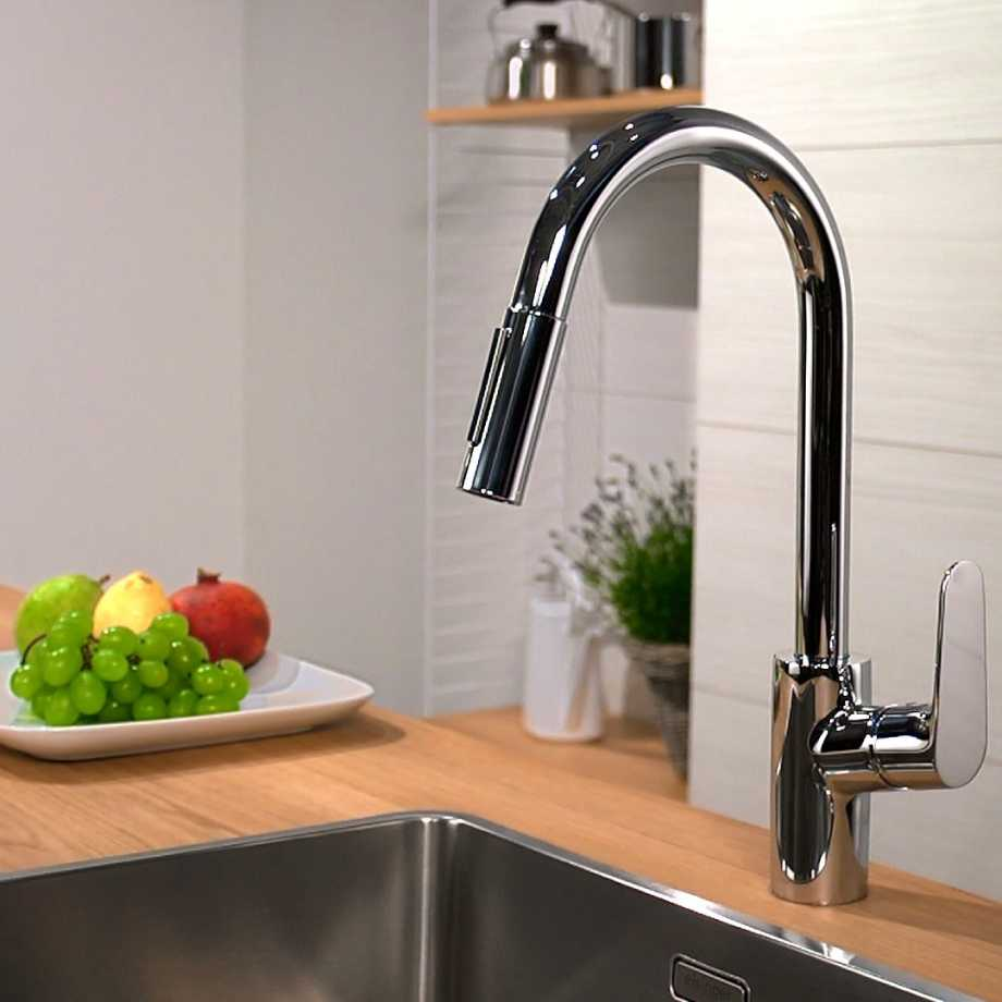 Инструкция: как выбрать смеситель для ванной, кухни и душа
