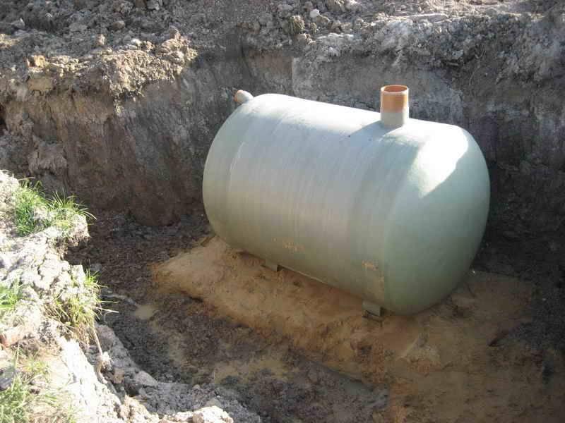 Ёмкости: какие виды емкостей под канализацию существуют, их достоинства и недостатки.