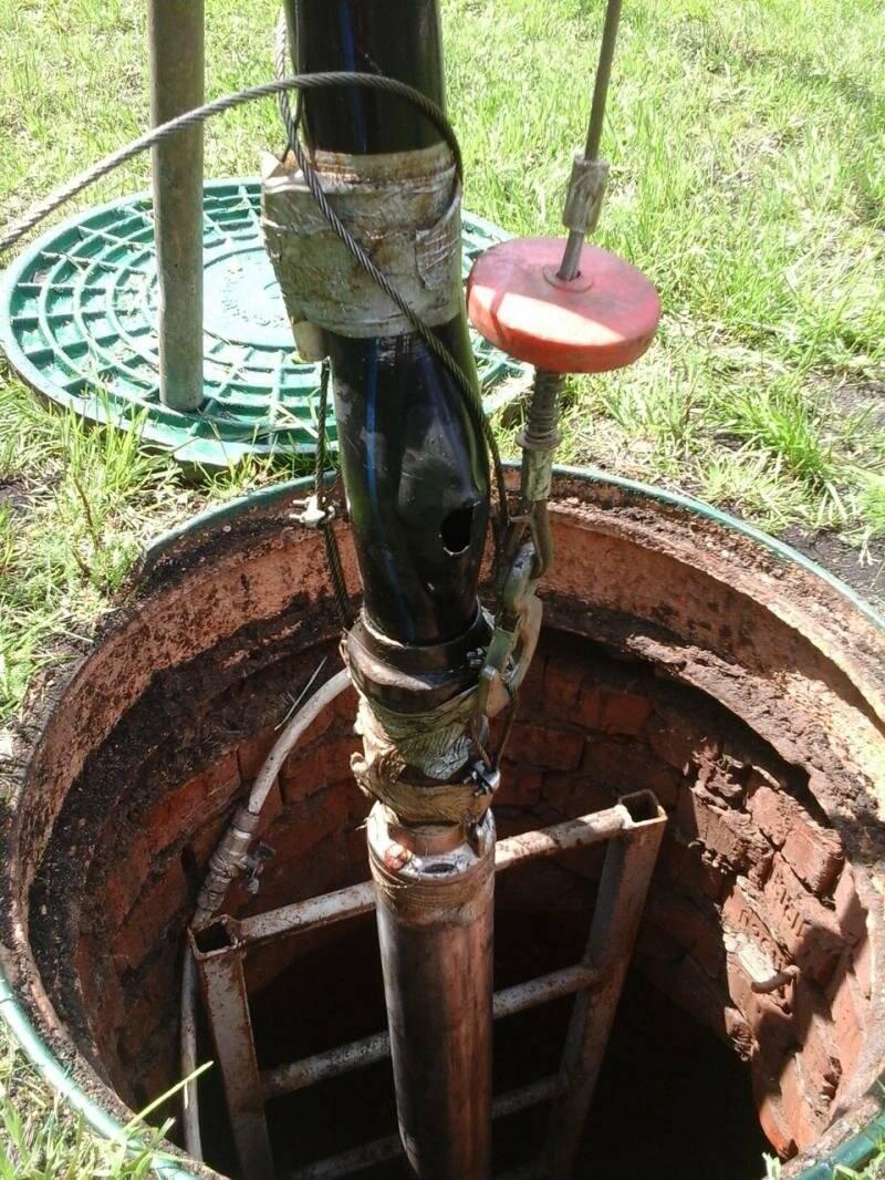 Как достать из скважины насос: профессиональные рекомендации