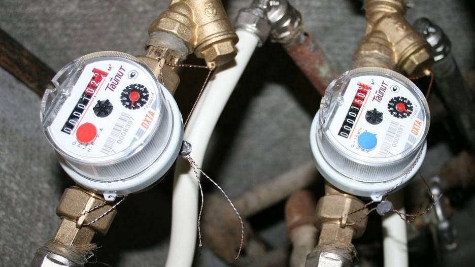 Кто пломбирует счетчики воды и как проводится данная процедура?