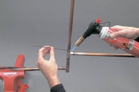 Пайка медных трубок газовой горелкой и твердым припоем: Виды и инструменты +Фото и Видео