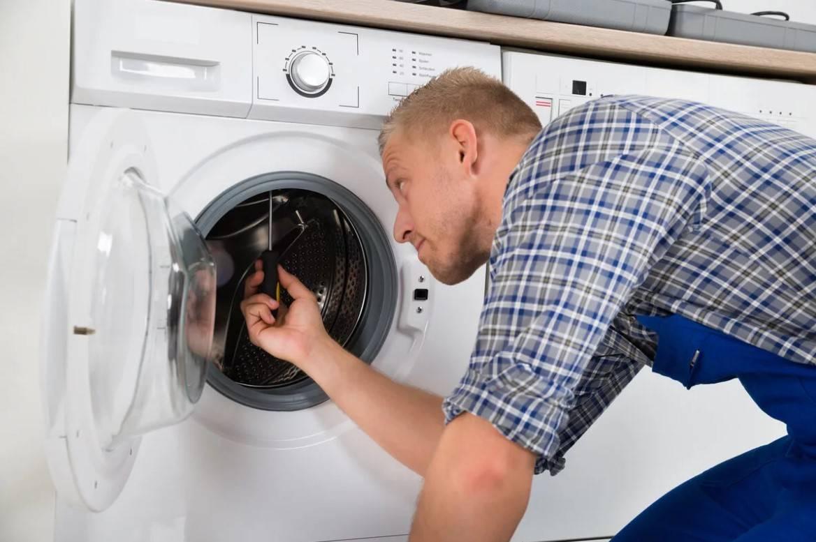 Почему стиральная машина не сливает воду перед отжимом?