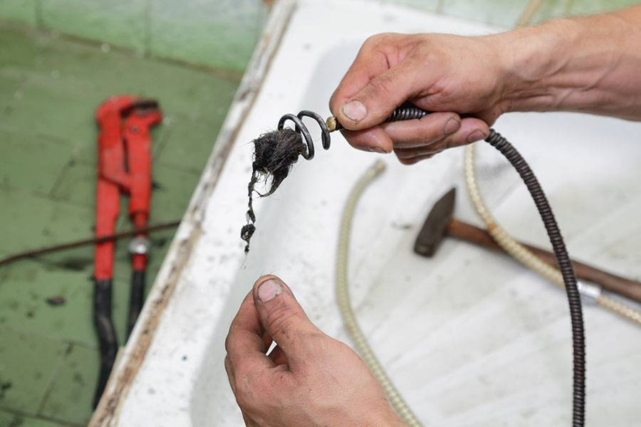 Трос для чистки канализации своими руками:прочистка,выбор насадок