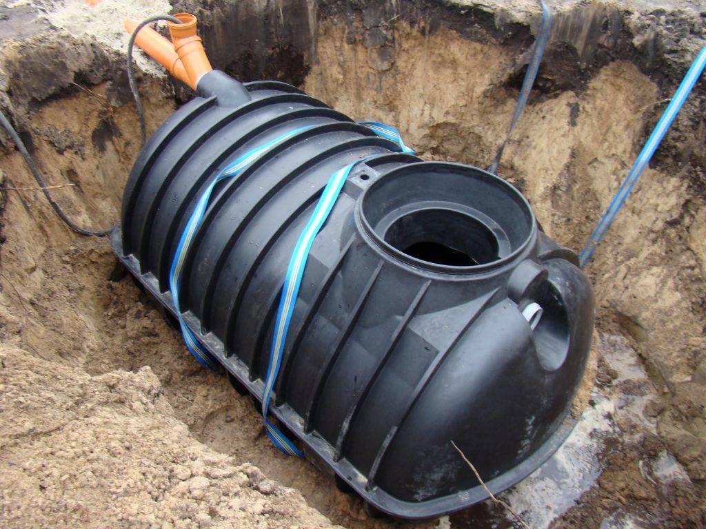 Пластиковые емкости для канализации: разновидности и особенности