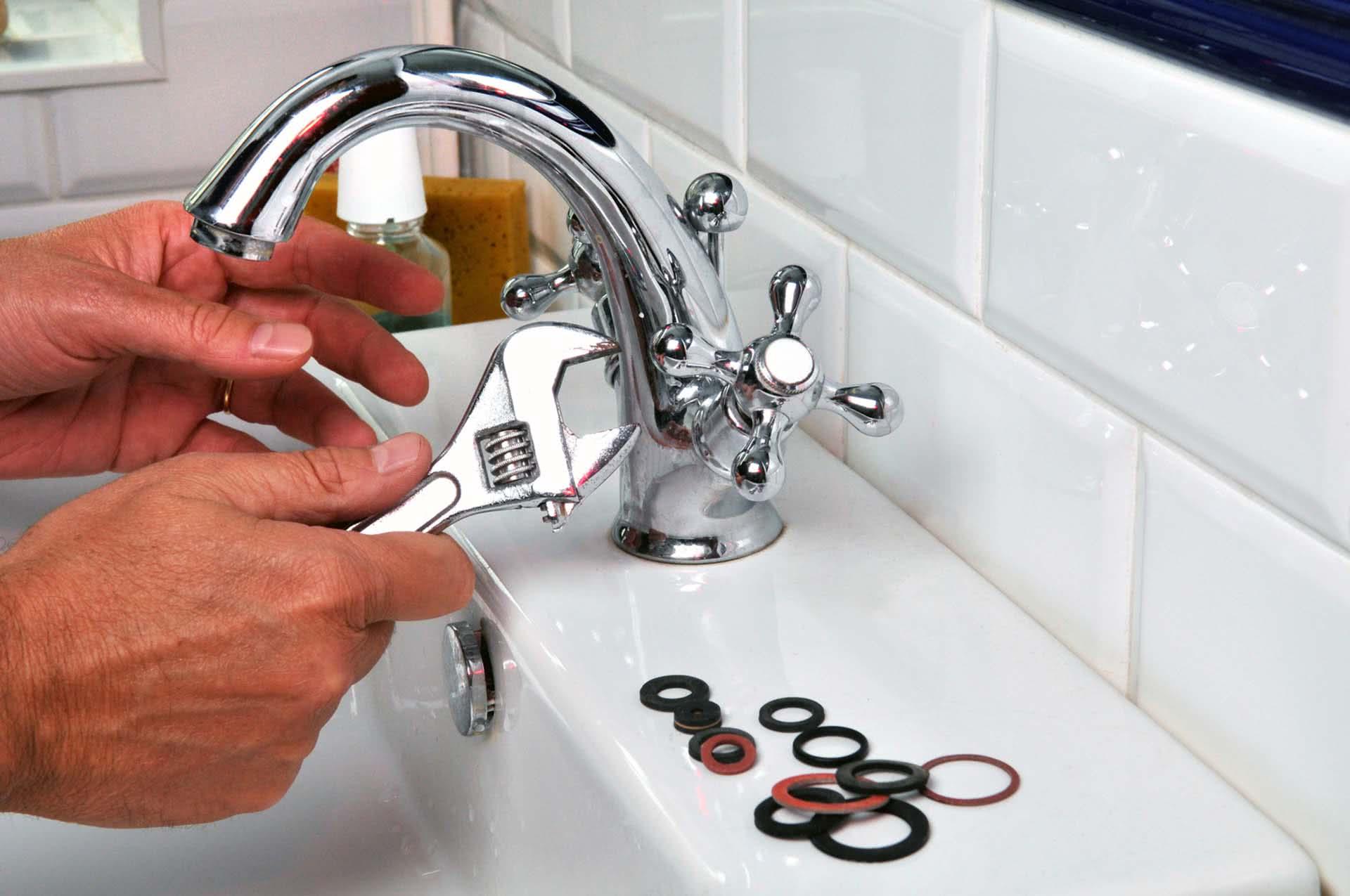 Ремонт кранов и смесителей на кухне для питьевой воды в москве!