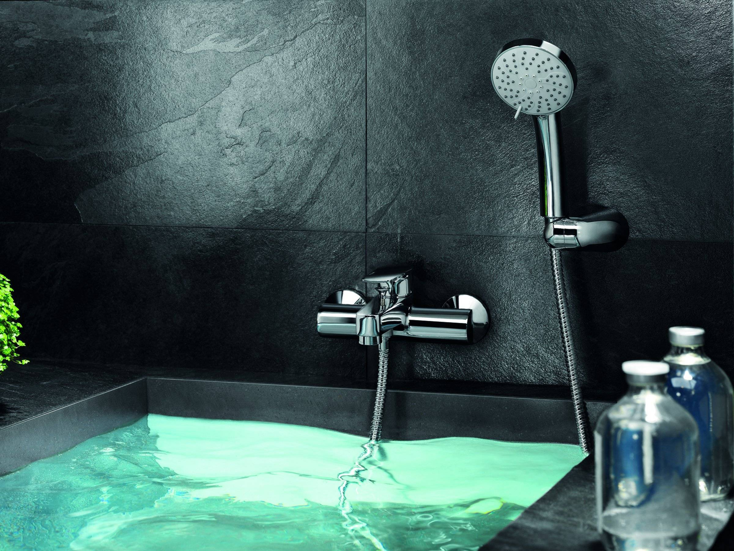Какой смеситель лучше выбрать для ванной?