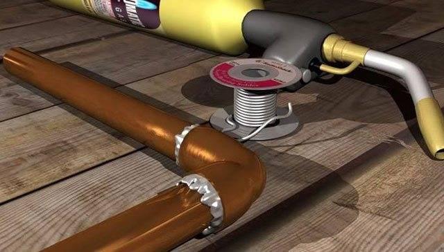 Качественная пайка трубок медных газовой горелкой производится с соблюдением всех правил и инструкций