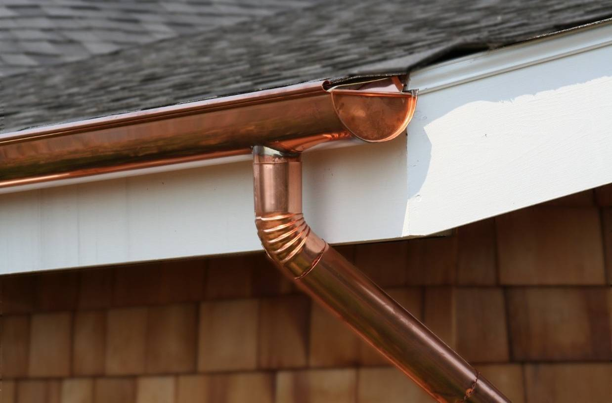 Зачем нужна водосточная система в каждом доме?