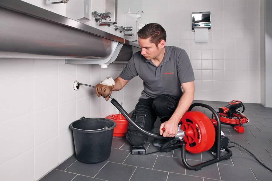Чистка канализации в частном доме - как прочистить трубы и устранить засоры
