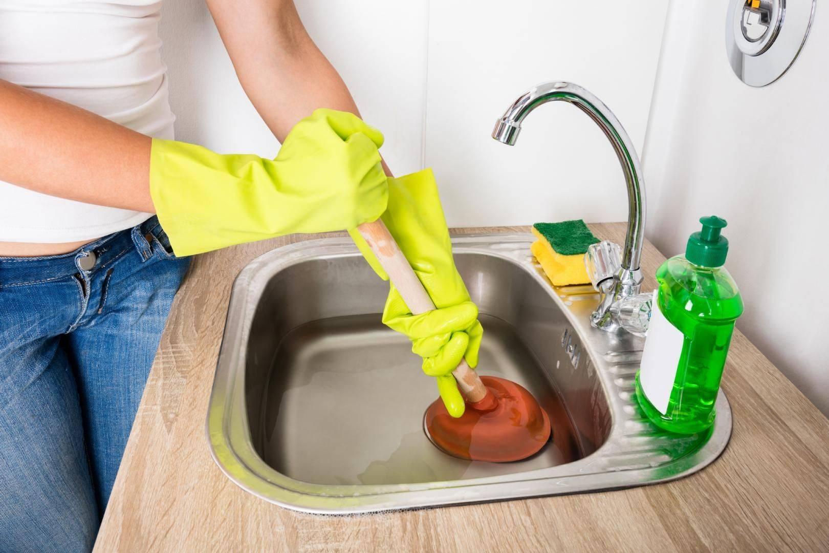 Засорилась раковина на кухне: что делать и как устранить засор в мойке