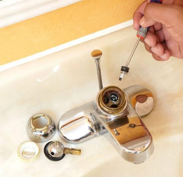 Как починить кран на кухне который течет?