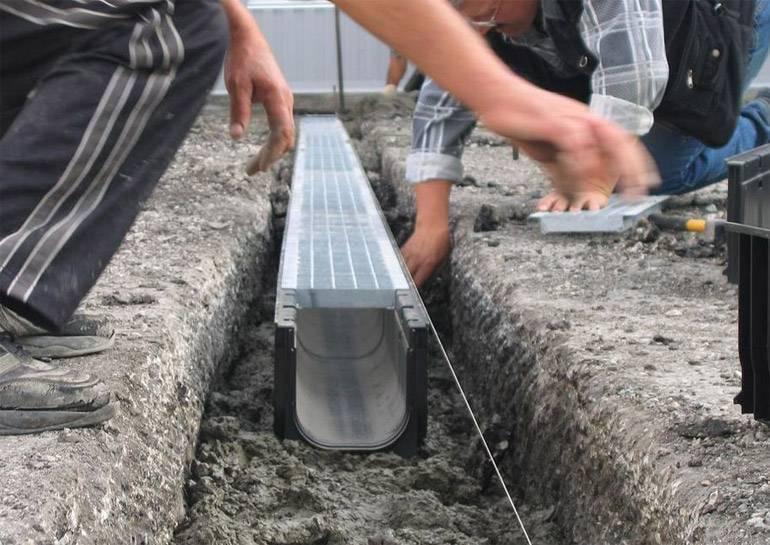 Лотки для ливневой канализации: бетонные и дождевые