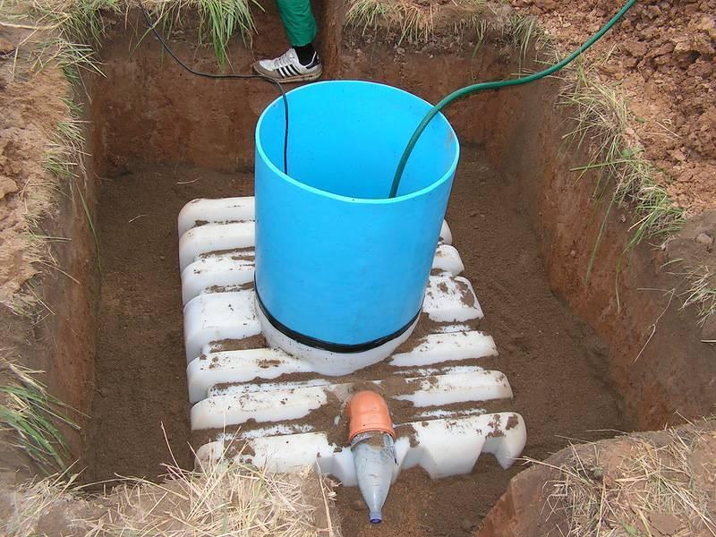 Как сделать септик если близко грунтовые воды на участке?