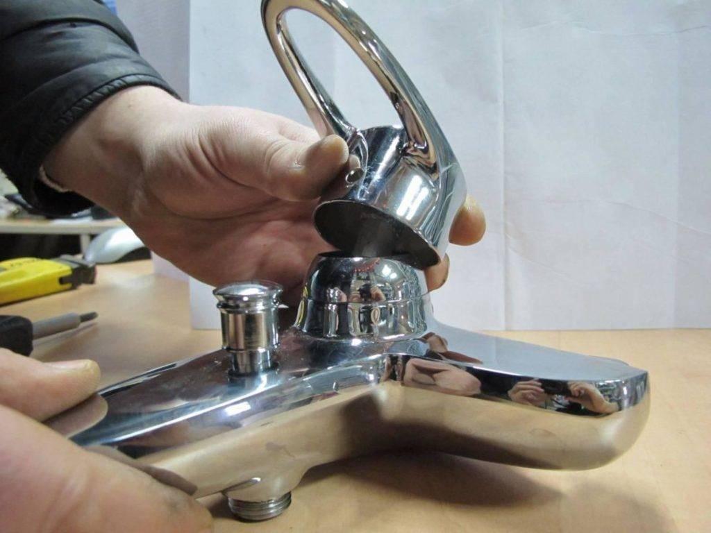 Как установить смеситель на кухне своими руками на мойку - пошаговое руководство