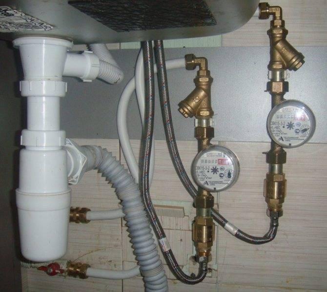 Если сломался счетчик горячей воды - что делать?
