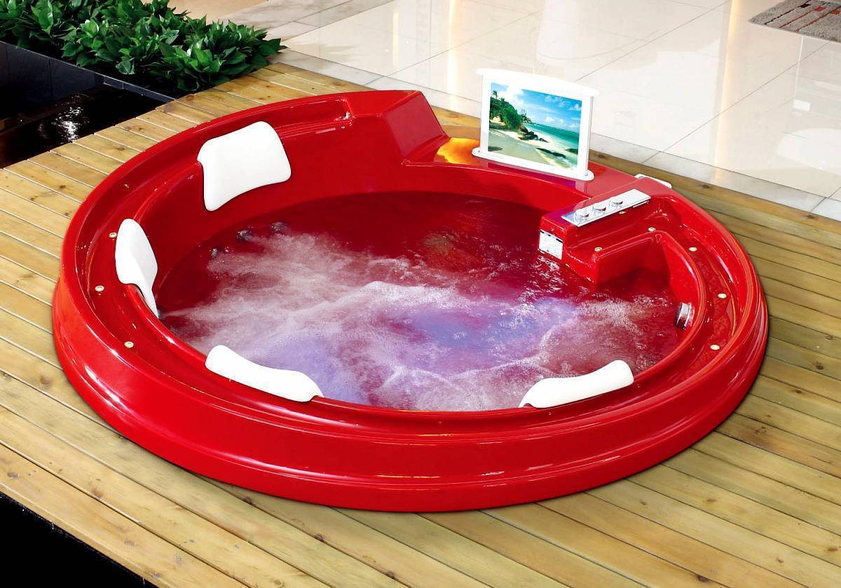 Гидромассажные ванны в интерьере ванной — какие бывают