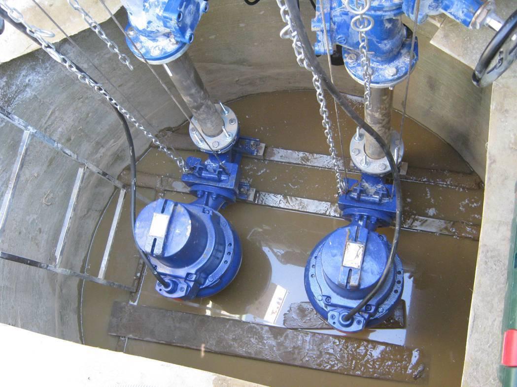 Погружной фекальный насос для откачки канализации в домашних условиях, в частном доме: напорный, вакуумный, перекачивающий и туалетный с измельчителем для принудительной канализации