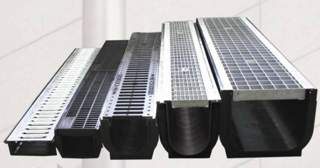 Водоотводные лотки бетонные: типы, характеристики и установка +фото