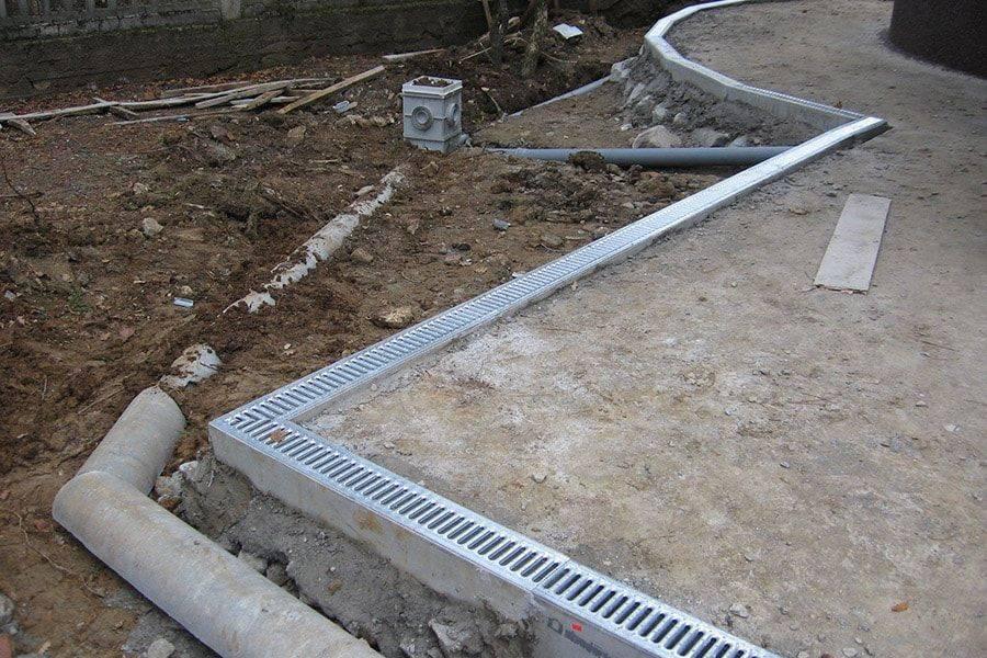 Ливневые лотки бетонные для канализации: жби, с решеткой