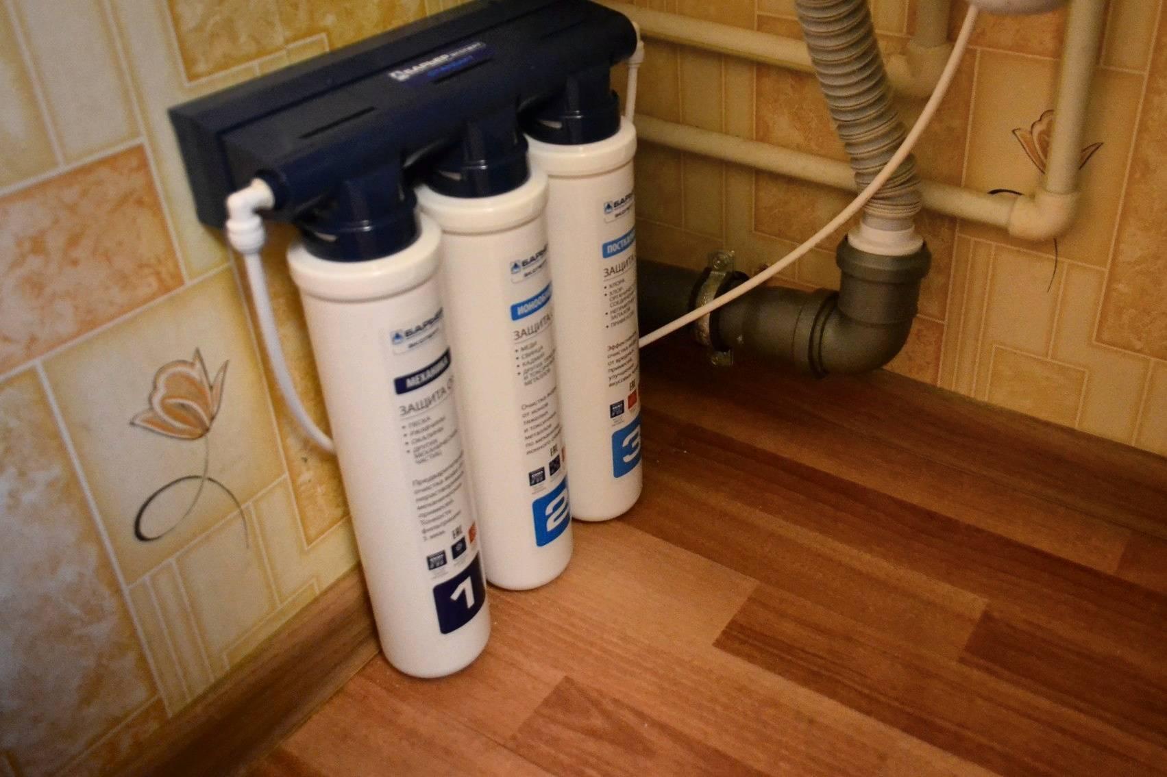 Какой фильтр для воды под мойку лучше приобрести и как его встроить?