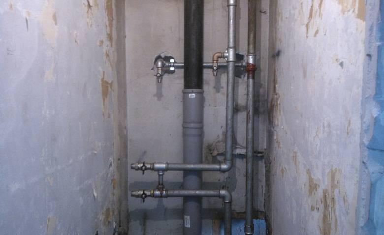 Замена стояка горячей воды: демонтаж системы и установка новых труб, за чей счет обновляется система, а также стоимость работ