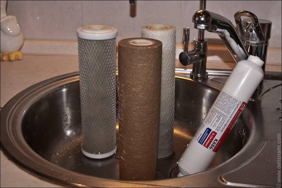 Как поменять фильтр для воды своими руками