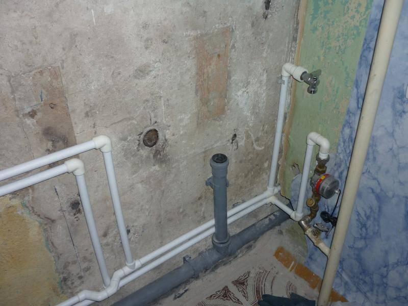 Замена труб в ванной и туалете: обзор цен, видео