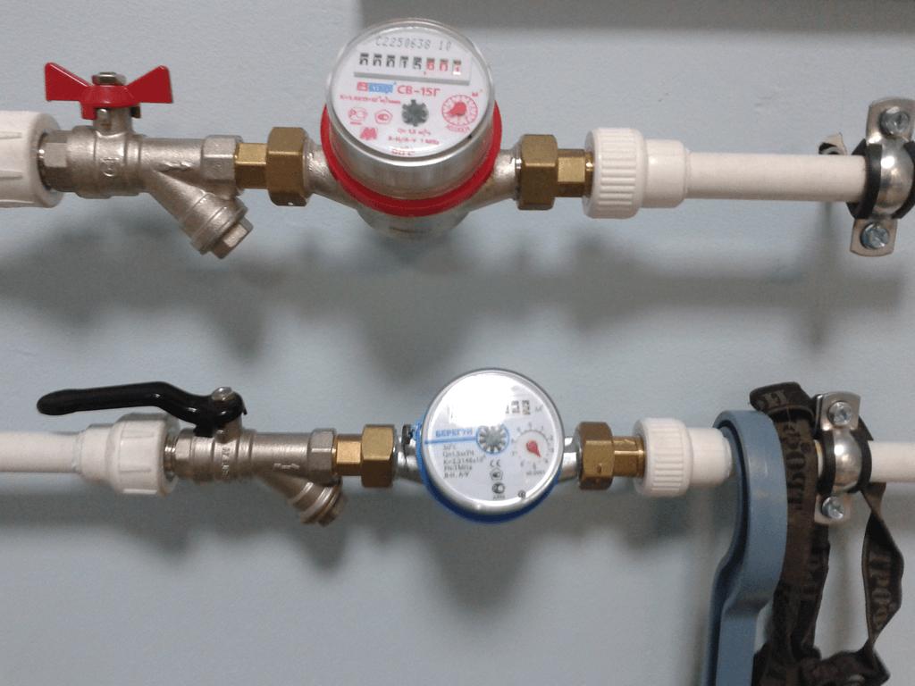 Замена счетчиков воды самому: горячей и холодной
