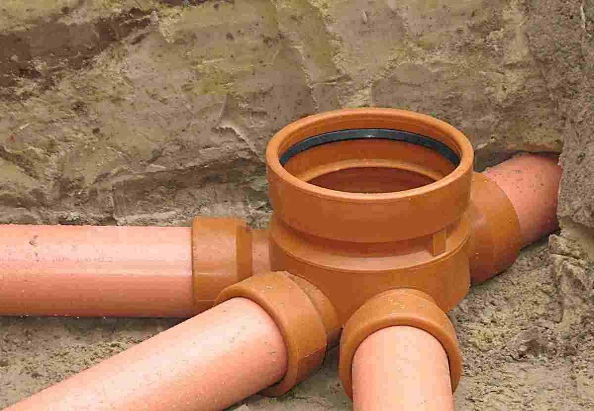 Наружная канализация из пвх: достоинства, недостатки и особенности