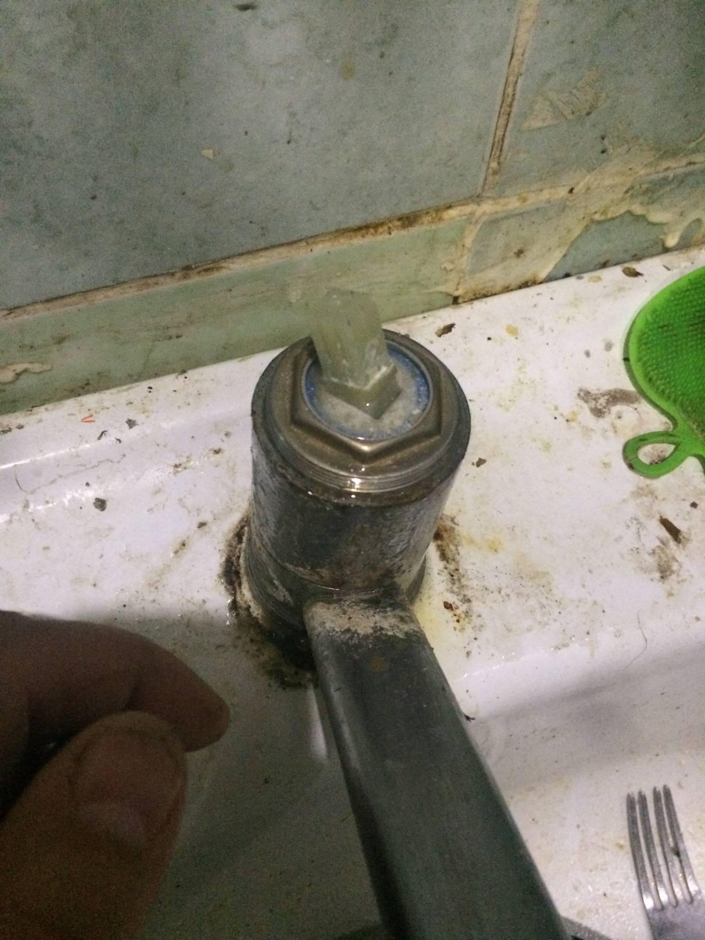 Замена картриджа в смесителе: ремонт своими руками