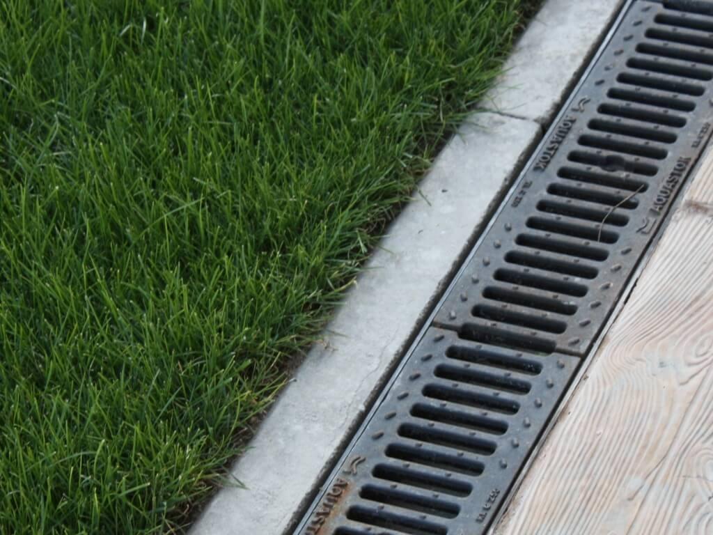 Бетонные водосточные лотки – лотки из бетона для отвода воды: размеры и цены