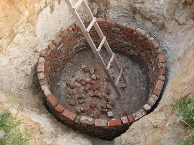Выгребная яма из кирпича своими руками.секреты строительства
